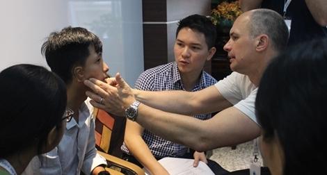 Facing the World sẽ thực hiện hơn 40.000 ca phẫu thuật từ thiện cho bệnh nhi nghèo Việt Nam