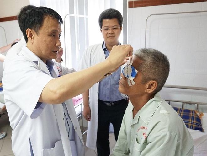 Cựu chiến binh 83 tuổi hiến tặng giác mạc cứu người mù lòa