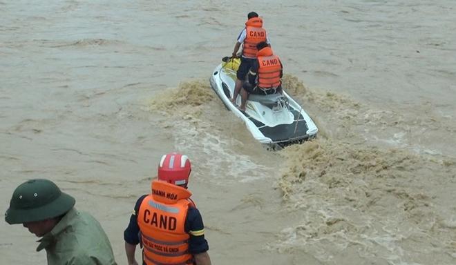 Giúp dân khắc phục hậu quả mưa lũ, tiếp cận bản bị cô lập - Ảnh minh hoạ 2