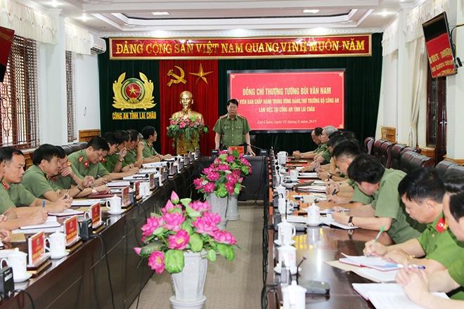 Thứ trưởng Bùi Văn Nam kiểm tra công tác tại Công an tỉnh Lai Châu