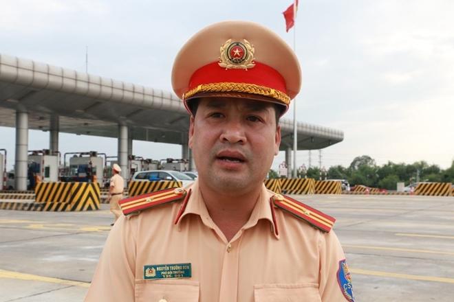 Một ngày làm việc vất vả của Cảnh sát giao thông - Ảnh minh hoạ 11