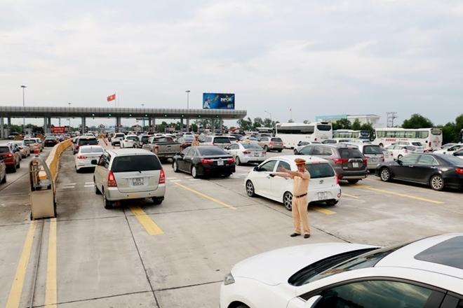 Một ngày làm việc vất vả của Cảnh sát giao thông - Ảnh minh hoạ 5