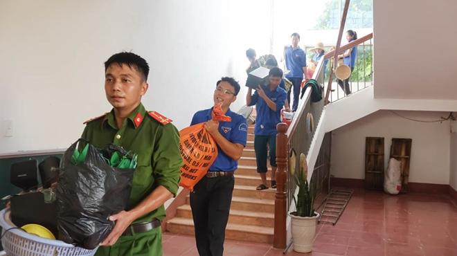 Công an Hương Sơn bám địa bàn, giúp trường học, khắc phục hậu quả mưa lũ - Ảnh minh hoạ 9