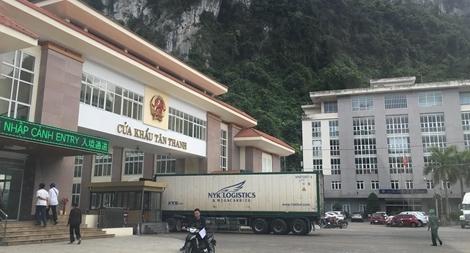 Nỗ lực thông quan hàng hoá tại cửa khẩu Tân Thanh