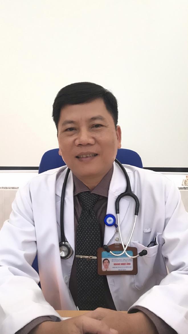 BS.CK2 Hoàng Ngọc Ánh thông tin về các ca bệnh.