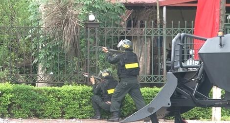 Cảnh sát cơ động Hưng Yên sẵn sàng chiến đấu vì bình yên cuộc sống