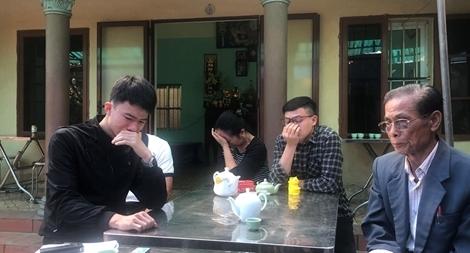 Không ngăn được nước mắt trong ngôi nhà người cán bộ hy sinh ở Đồng Tâm3