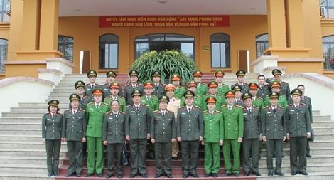 Thứ trưởng Bùi Văn Nam thăm, chúc Tết Công an tỉnh Lào Cai