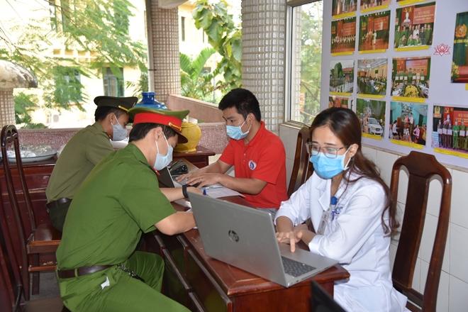 Công an tỉnh Phú Thọ tổ chức hiến máu tình nguyện - Ảnh minh hoạ 7