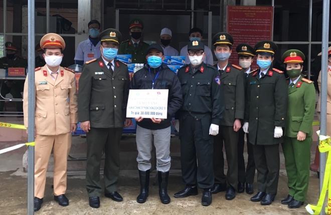 Công an tỉnh Sơn La chung tay phòng chống dịch COVID-19