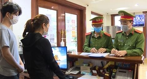 Bám chốt, đảm bảo an ninh trật tự, phòng chống dịch COVID-19 ở cửa ngõ thủ đô