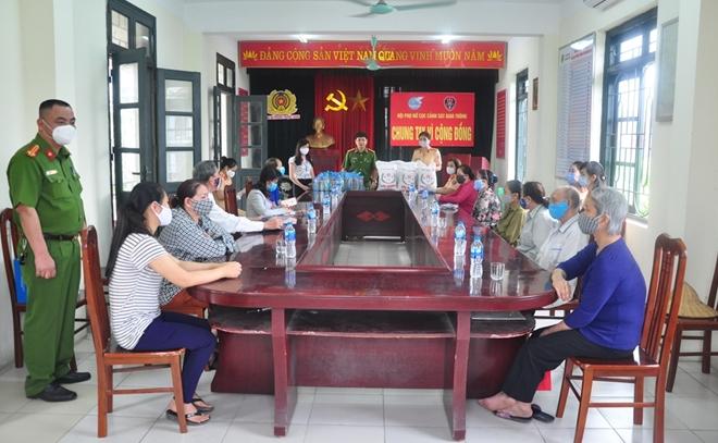 Hội phụ nữ Cục CSGT chung tay vì cộng đồng - Ảnh minh hoạ 6