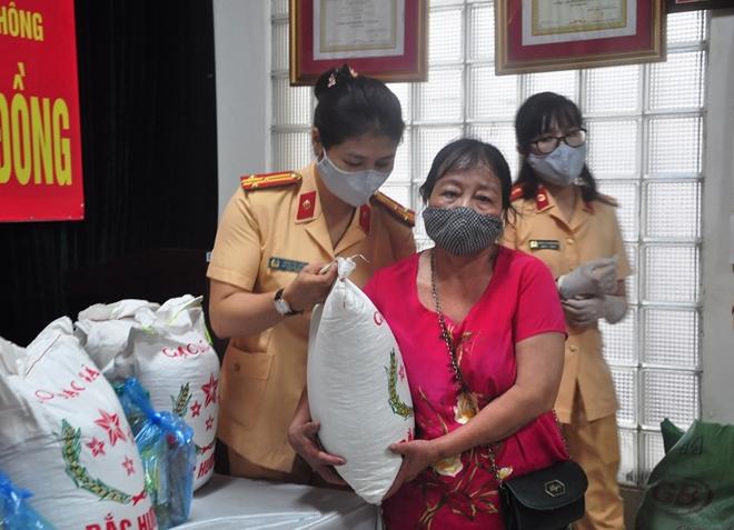 Hội phụ nữ Cục CSGT chung tay vì cộng đồng - Ảnh minh hoạ 5