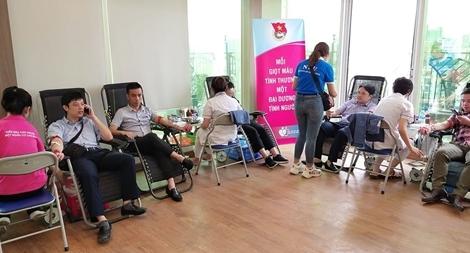 """Thu được 2.400 đơn vị máu trong Chương trình """"Bảo Việt - Vì hạnh phúc Việt"""""""