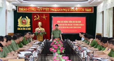 Thứ trưởng Bùi Văn Nam kiểm tra các mặt công tác tại Công an Lai Châu