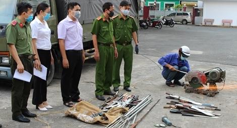 Tăng cường quản lý vũ khí, vật liệu nổ và công cụ hỗ trợ ở TP HCM