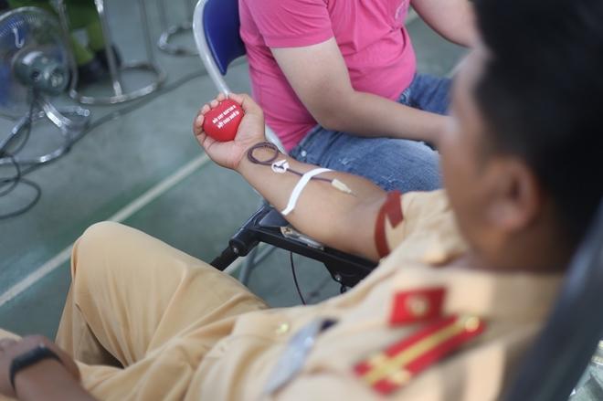 200 cán bộ, chiến sĩ Công an Sơn La hiến máu tình nguyện - Ảnh minh hoạ 6
