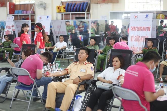 200 cán bộ, chiến sĩ Công an Sơn La hiến máu tình nguyện - Ảnh minh hoạ 7