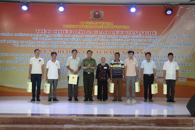 Thúc đẩy hợp tác giữa Bộ Công an Việt Nam với Cơ quan thực thi pháp luật của các nước - Ảnh minh hoạ 5