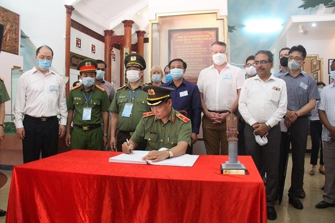 Thúc đẩy hợp tác giữa Bộ Công an Việt Nam với Cơ quan thực thi pháp luật của các nước - Ảnh minh hoạ 2