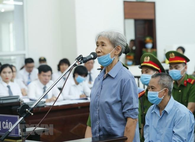 Bị cáo Trần Thị Bét nói lời sau cùng.