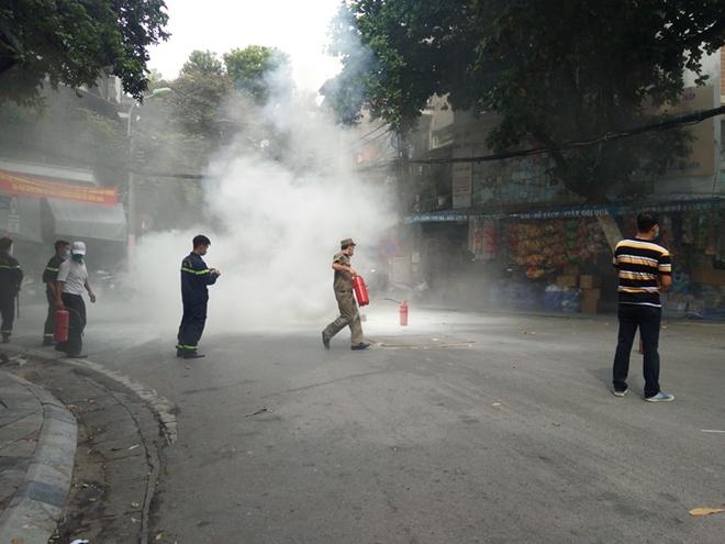 Diễn tập phương án chữa cháy, cứu nạn tại phố Hàng Mã - Ảnh minh hoạ 8