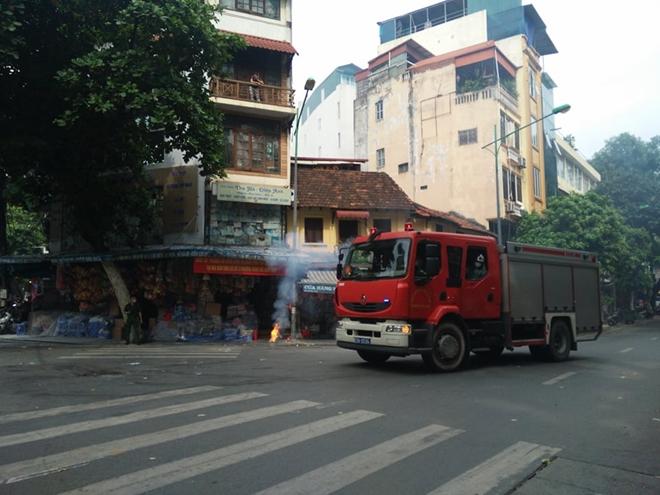 Diễn tập phương án chữa cháy, cứu nạn tại phố Hàng Mã - Ảnh minh hoạ 3