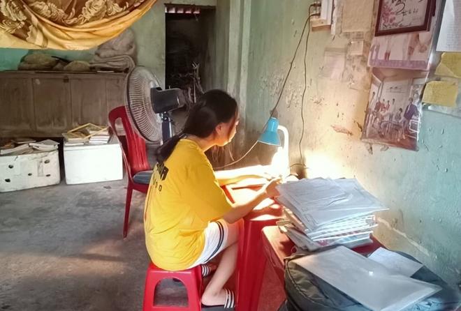 Công an Hà Tĩnh góp phần nâng cánh ước mơ vào giảng đường đại học cho nữ sinh nghèo hiếu học - Ảnh minh hoạ 2