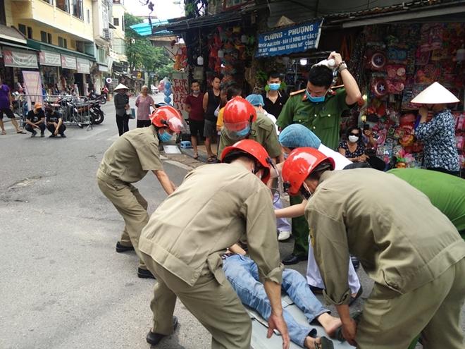 Diễn tập phương án chữa cháy, cứu nạn tại phố Hàng Mã - Ảnh minh hoạ 6