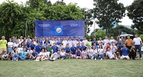 Giao hữu bóng đá kỷ niệm 25 năm thiết lập quan hệ Việt Nam - Mỹ