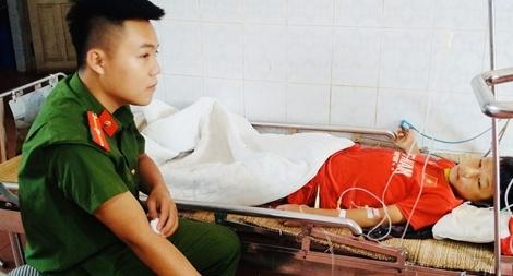 Thiếu úy Công an hiến máu cứu học sinh người Mông gặp nạn