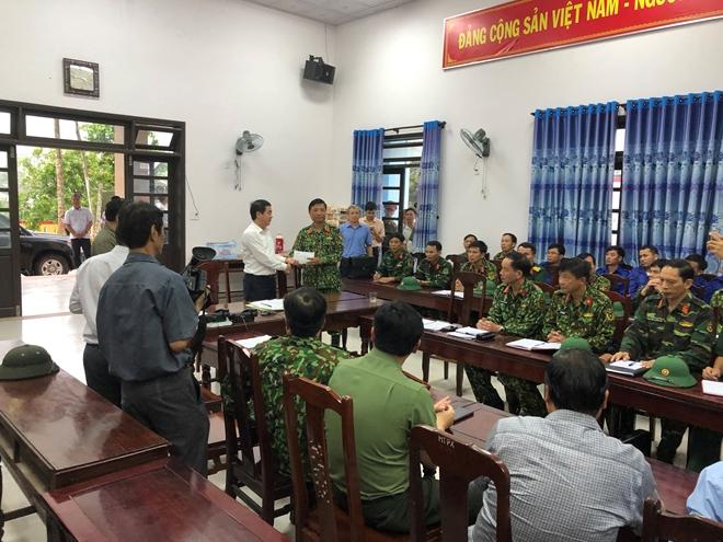 Vietcombank ủng hộ 11 tỷ đồng, chung tay cùng cán bộ, chiến sỹ và đồng bào miền Trung vượt qua khó khăn trước thiên tai, lũ lụt - Ảnh minh hoạ 4