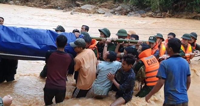 Cận cảnh hành trình băng rừng, lội suối tìm kiếm thi thể Đại úy Trương Văn Thắng - Ảnh minh hoạ 3