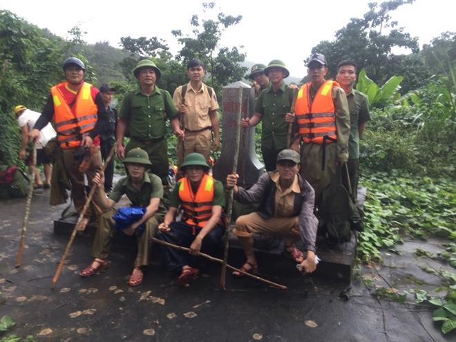 Cận cảnh hành trình băng rừng, lội suối tìm kiếm thi thể Đại úy Trương Văn Thắng - Ảnh minh hoạ 5