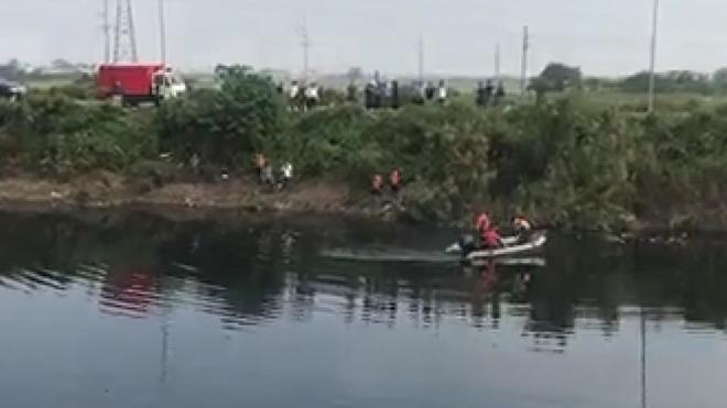 Điều động thợ lặn tìm kiếm nữ sinh mất tích trên sông Nhuệ - Ảnh minh hoạ 2