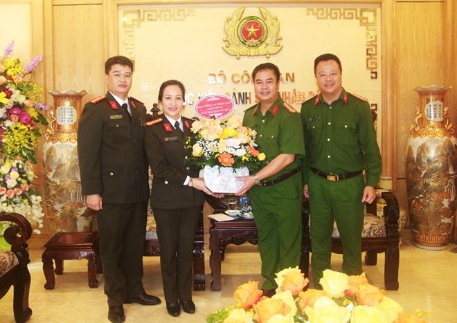Cục Truyền thông CAND, Báo CAND chúc mừng Ngày Nhà giáo Việt Nam - Ảnh minh hoạ 2
