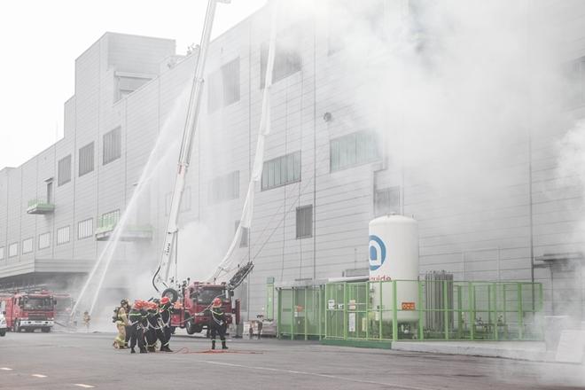 Diễn tập chữa cháy và CNCH quy mô lớn tại Khu Công nghiệp - Ảnh minh hoạ 4