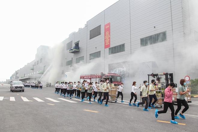 Diễn tập chữa cháy và CNCH quy mô lớn tại Khu Công nghiệp - Ảnh minh hoạ 2