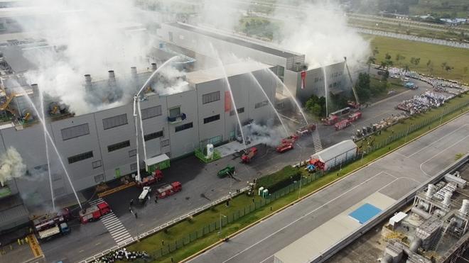 Diễn tập chữa cháy và CNCH quy mô lớn tại Khu Công nghiệp - Ảnh minh hoạ 8