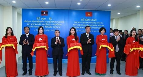 Bàn giao trụ sở cho Cơ quan đại diện Bộ Công an Lào tại Việt Nam
