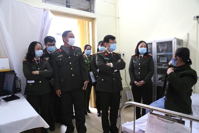 Đoàn y tế CAND làm việc tại Bệnh viện Công an tỉnh Nam Định - Ảnh minh hoạ 2