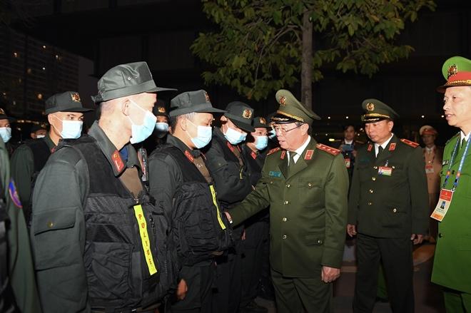 Thứ trưởng Bùi Văn Nam kiểm tra công tác đảm bảo an ninh, an toàn Đại hội XIII của Đảng - Ảnh minh hoạ 2