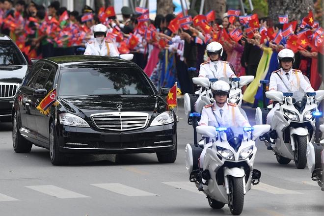 Chuyện những sĩ quan lái môtô hộ tống bảo vệ yếu nhân