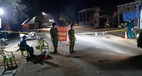 Công an thị xã Ayun Pa tăng cường ngăn ngừa dịch COVID-19