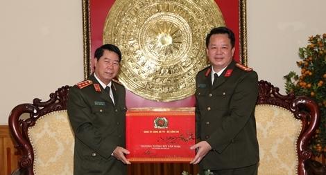 Thứ trưởng Bùi Văn Nam kiểm tra công tác bảo đảm ANTT tại Công an tỉnh Hà Nam