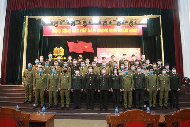 Gặp mặt, chúc Tết đại diện lưu học viên quốc tế và sinh viên các trường làm nhiệm vụ trực Tết - Ảnh minh hoạ 2