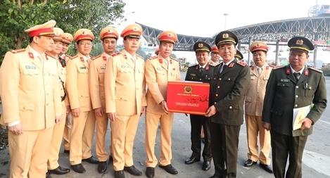 Thứ trưởng Trần Quốc Tỏ kiểm tra công tác trên cao tốc Pháp Vân-Cầu Giẽ