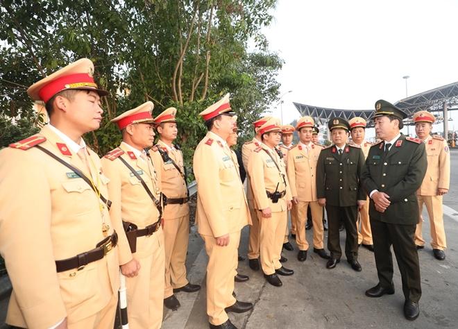 Thứ trưởng Trần Quốc Tỏ kiểm tra công tác trên cao tốc Pháp Vân-Cầu Giẽ - Ảnh minh hoạ 2