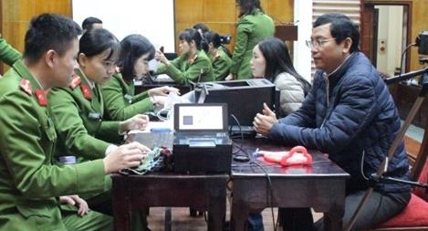 Đẩy nhanh tiến độ cấp thẻ căn cước công dân gắn chíp điện tử