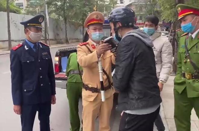CSGT Hà Nội xử phạt 200 tỷ đồng sau 1 năm thực hiện Nghị định 100